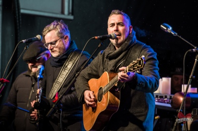 Barenaked Ladies performing at Mike Taylor's Memorial